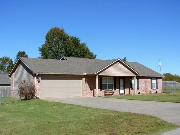 3 bed 2 bath Single Family at 809 E 7th St Grove, OK, 74344 is for sale at 125k - 1 of 13