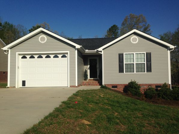 3 bed 2 bath Single Family at 2057 E Park Dr Lancaster, SC, 29720 is for sale at 135k - 1 of 9