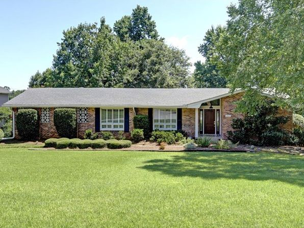 5 bed 3 bath Single Family at 2556 Kingsland Ct Dunwoody, GA, 30360 is for sale at 370k - 1 of 30