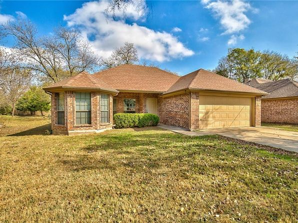 3 bed 2 bath Single Family at 511 Kaufman St Forney, TX, 75126 is for sale at 173k - 1 of 26