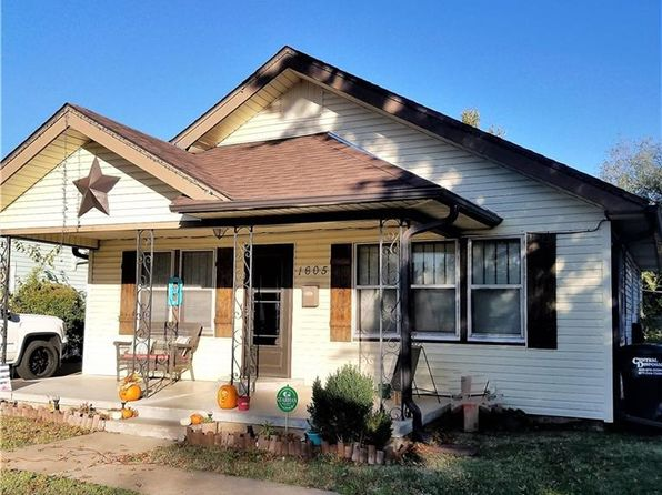 3 bed 1 bath Single Family at 1605 N Market Ave Shawnee, OK, 74804 is for sale at 68k - 1 of 11