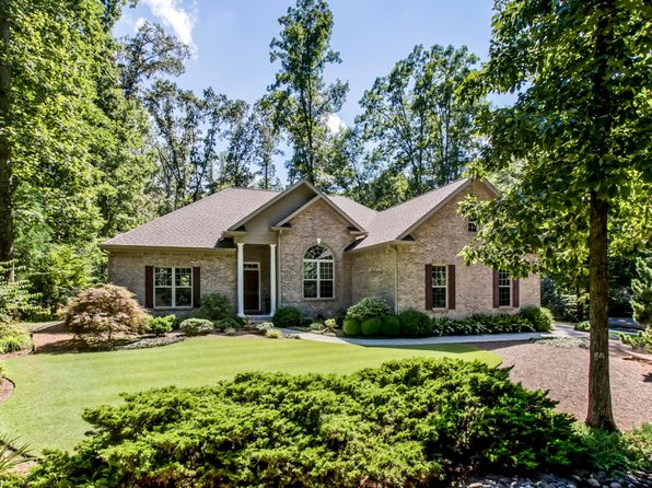 3 bed 2 bath Single Family at 241 Oostanali Way Loudon, TN, 37774 is for sale at 300k - 1 of 41