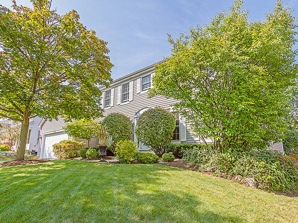 4 bed 3 bath Single Family at 1700 Green River Dr Schaumburg, IL, 60194 is for sale at 435k - 1 of 27