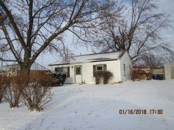 2 bed 1 bath Single Family at 6903 N Hancock Ave Davenport, IA, 52806 is for sale at 50k - 1 of 3