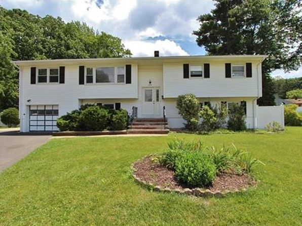 5 bed 3 bath Single Family at 278 Saint James Pl South Plainfield, NJ, 07080 is for sale at 390k - 1 of 24