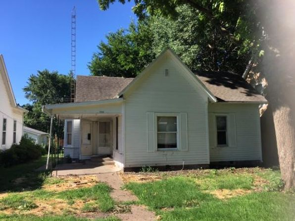 2 bed 2 bath Single Family at 1309 Edgar Ave Mattoon, IL, 61938 is for sale at 27k - google static map