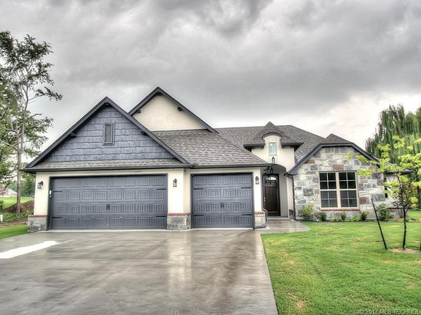 3 bed 3 bath Single Family at 4962 Lighthouse Springs Dr Grove, OK, 74344 is for sale at 290k - 1 of 27