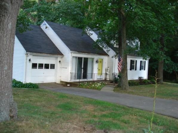 4 bed 1 bath Single Family at 19 Bonnie Rd South Weymouth, MA, 02190 is for sale at 319k - 1 of 17