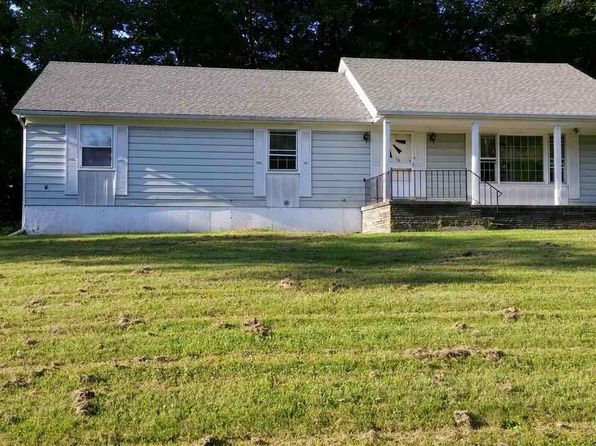 3 bed 2 bath Single Family at 16 Pinewood Est 16 Pinewood Est Fallsburg, NY, 12779 is for sale at 139k - 1 of 5