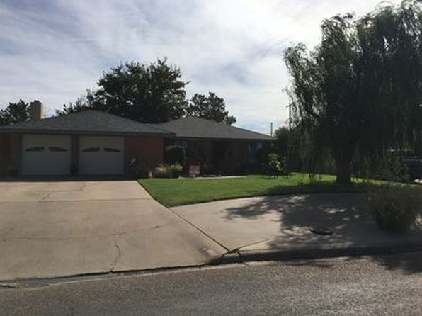 3 bed 2 bath Single Family at 816 Canyon St Plainview, TX, 79072 is for sale at 135k - 1 of 16