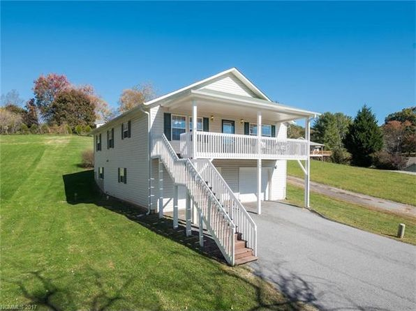 3 bed 2 bath Single Family at 105 Foxioci Cir Candler, NC, 28715 is for sale at 245k - 1 of 24