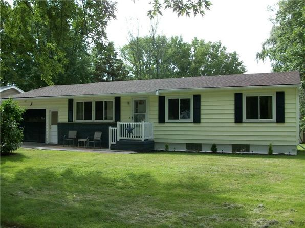 3 bed 2 bath Single Family at 7 Courtright Ln Rochester, NY, 14624 is for sale at 115k - 1 of 25