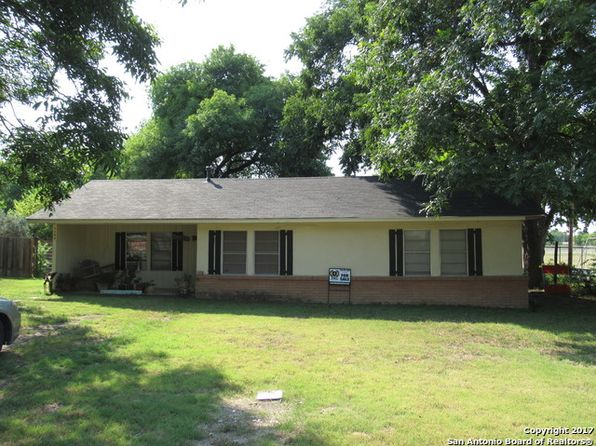 3 bed 1 bath Single Family at 1109 Petersburg St Castroville, TX, 78009 is for sale at 129k - 1 of 12