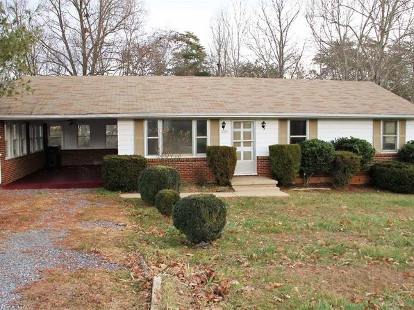 3 bed 1 bath Single Family at 2177 McGhee St Bedford, VA, 24523 is for sale at 90k - 1 of 23