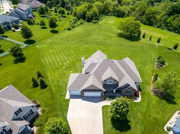4 bed 5 bath Single Family at 5555 Madison Ct Bettendorf, IA, 52722 is for sale at 658k - 1 of 24