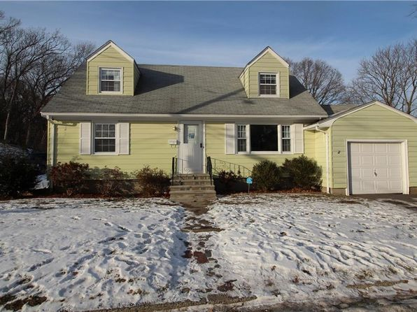 4 bed 1 bath Single Family at 11 Burwell St Lincoln, RI, 02865 is for sale at 230k - 1 of 10