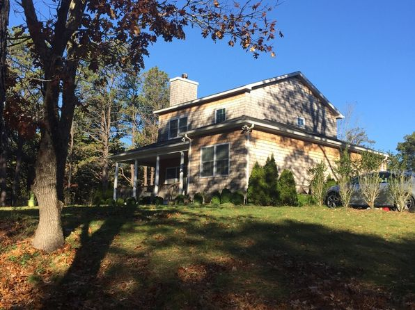 4 bed 3 bath Single Family at 6 Seneca Dr Shinnecock Hills, NY, 11968 is for sale at 829k - 1 of 12