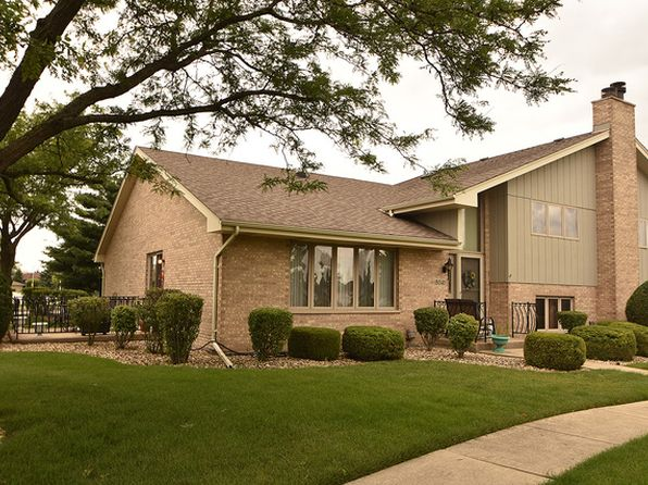 2 bed 3 bath Townhouse at 18040 Hawaii Ct Orland Park, IL, 60467 is for sale at 239k - 1 of 19
