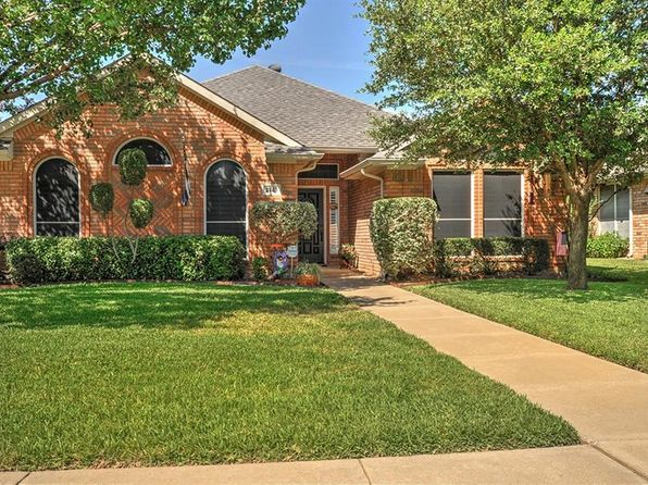 3 bed 2 bath Single Family at 2740 Crystal Glenn Cir Hurst, TX, 76054 is for sale at 250k - 1 of 24