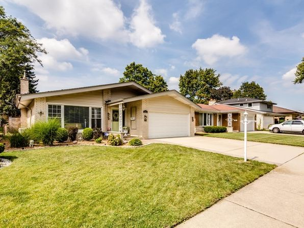 4 bed 3 bath Single Family at 2834 Sunnyside Ave Westchester, IL, 60154 is for sale at 378k - 1 of 22