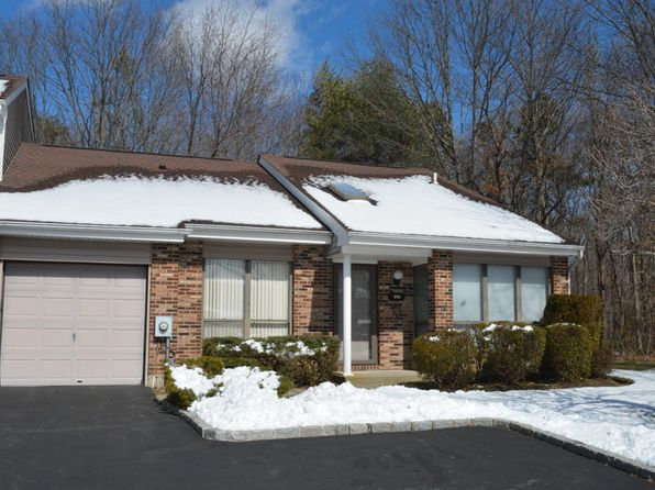 2 bed 2 bath Townhouse at 206 POND VIEW LN SMITHTOWN, NY, 11787 is for sale at 350k - google static map
