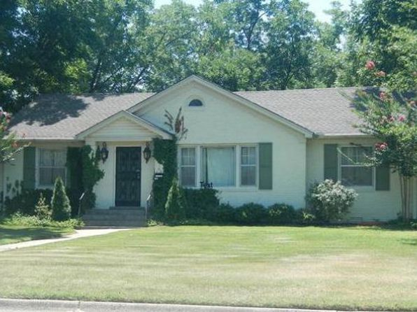 3 bed 2 bath Single Family at 200 W BARTON AVE WEST MEMPHIS, AR, 72301 is for sale at 125k - google static map