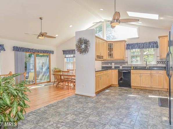 3 bed 3 bath Single Family at 631 Tazewell Rd NW Vienna, VA, 22180 is for sale at 710k - 1 of 30