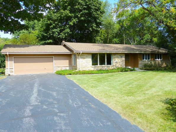 3 bed 2 bath Single Family at 15150 Cascade Dr Elm Grove, WI, 53122 is for sale at 310k - 1 of 4