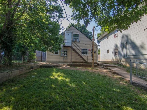 8 bed 5 bath Multi Family at 734 N Broadway Lexington, KY, 40508 is for sale at 170k - 1 of 15