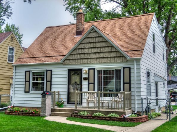4 bed 3 bath Single Family at 3434 N 90th St Milwaukee, WI, 53222 is for sale at 140k - 1 of 25
