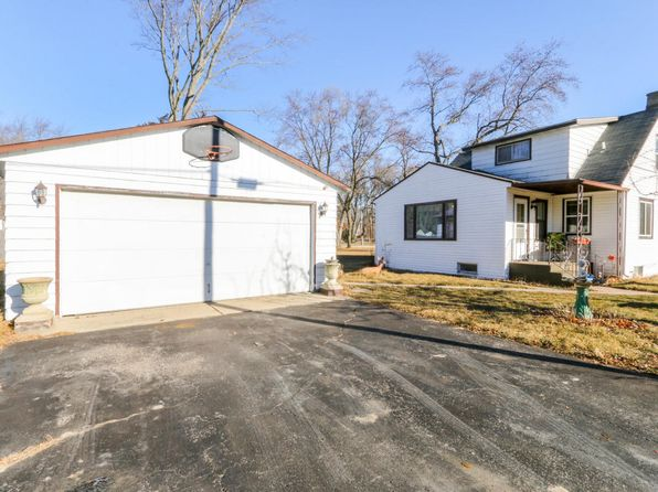 4 bed 2 bath Single Family at N1377 MOSS DR GENOA CITY, WI, 53128 is for sale at 145k - 1 of 21