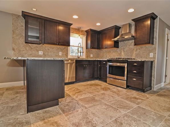 4 bed 2 bath Single Family at 12 E Cottage St Smithfield, RI, 02917 is for sale at 330k - 1 of 31
