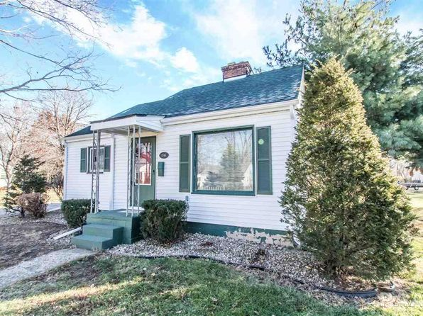 3 bed 1 bath Single Family at 1346 Court St Chillicothe, IL, 61523 is for sale at 85k - 1 of 30