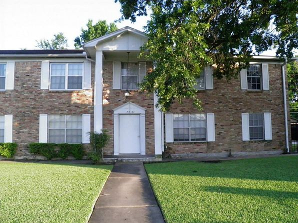 2 bed 2 bath Townhouse at 7221 Beechnut St Houston, TX, 77074 is for sale at 68k - 1 of 15