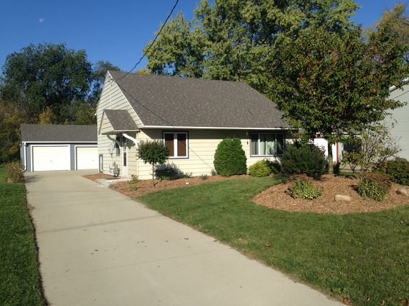 3 bed 2 bath Single Family at 300 3rd Ave NW Pine Island, MN, 55963 is for sale at 149k - 1 of 13