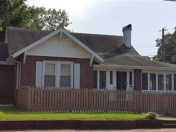 1 bed 1 bath Single Family at 311 W 5th Ave Lexington, NC, 27292 is for sale at 58k - 1 of 12