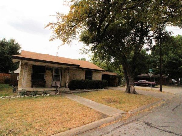 2 bed 1 bath Single Family at 1102 Chamberlain St Irving, TX, 75060 is for sale at 100k - 1 of 23