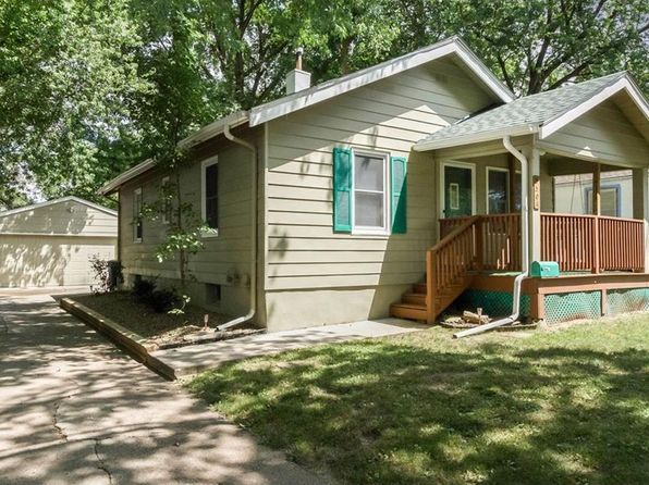 2 bed 2 bath Single Family at 3501 Bowdoin St Des Moines, IA, 50313 is for sale at 130k - 1 of 15