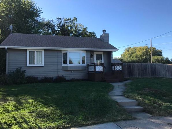 2 bed 2 bath Single Family at 100 2nd Ave Underwood, IA, 51576 is for sale at 114k - 1 of 23