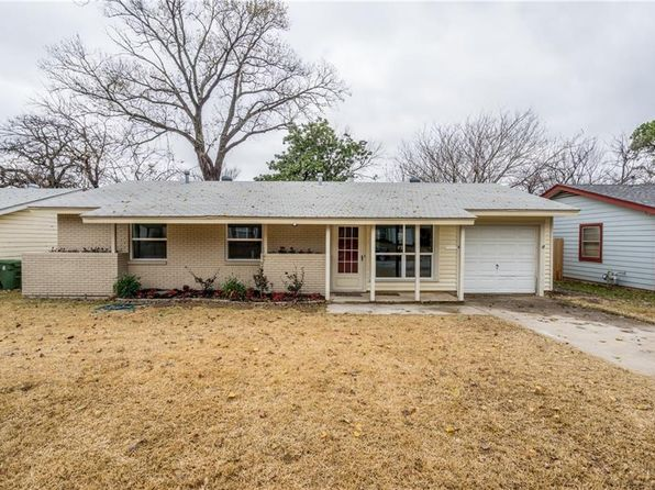 3 bed 2 bath Single Family at 217 Arthur Dr Hurst, TX, 76053 is for sale at 160k - 1 of 23