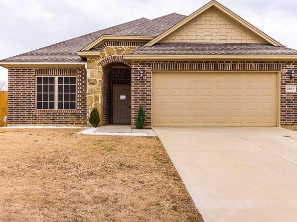 3 bed 2 bath Single Family at 3001 GLENWOOD CT AUBREY, TX, 76227 is for sale at 240k - 1 of 26