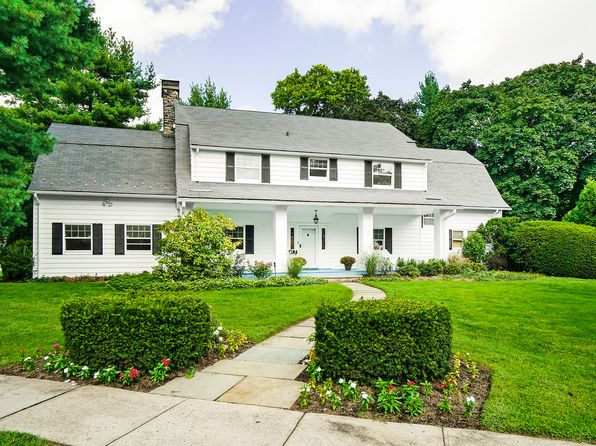5 bed 6 bath Single Family at 1 Lyons Pl Larchmont, NY, 10538 is for sale at 1.75m - 1 of 27