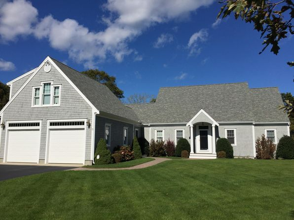 4 bed 5 bath Single Family at 11 Captain Bearse Ln Harwich, MA, 02645 is for sale at 879k - 1 of 7