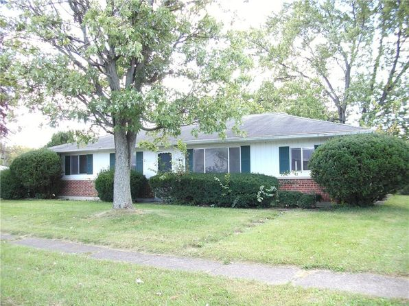 3 bed 1.5 bath Single Family at 1109 Edgebrook Dr New Carlisle, OH, 45344 is for sale at 68k - 1 of 18