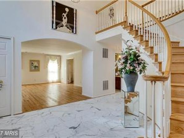 4 bed 4 bath Single Family at 9507 Quail Pointe Ln Fairfax Station, VA, 22039 is for sale at 779k - 1 of 33