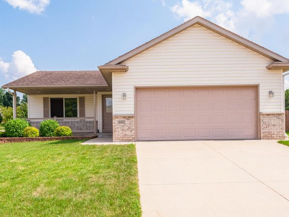4 bed 2 bath Single Family at 4402 Manorwoods Pl NW Rochester, MN, 55901 is for sale at 235k - 1 of 28