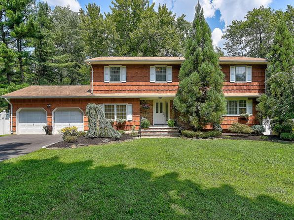 5 bed 3 bath Single Family at 12 Kingsley Dr Manalapan, NJ, 07726 is for sale at 570k - 1 of 24