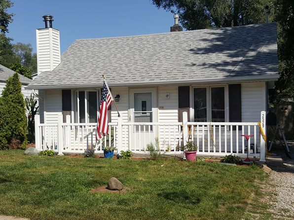 2 bed 1 bath Single Family at 2529 E 41st Ct Des Moines, IA, 50317 is for sale at 75k - google static map
