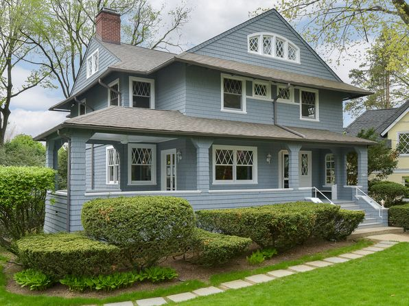 6 bed 5 bath Single Family at 62 Tanglewylde Ave Bronxville, NY, 10708 is for sale at 3.20m - 1 of 12