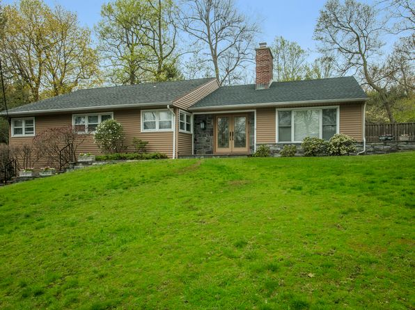 4 bed 3.5 bath Single Family at 7 Rock Hill Ln Scarsdale, NY, 10583 is for sale at 1.17m - 1 of 15